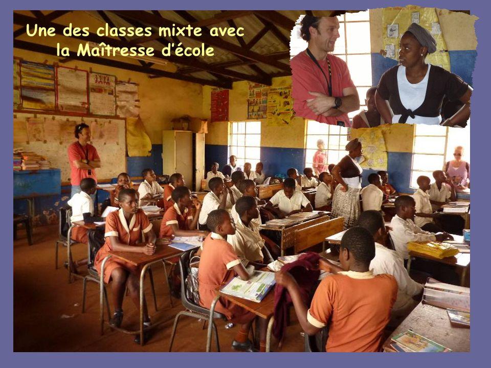 La campagne du Zoulouland En rase campagne accueil à lécole de la communauté des Nompodo