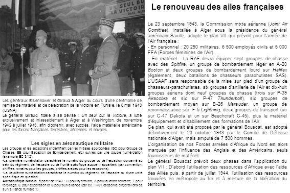 Remise de décoration à La Réghaïa le 2 juin 1944 par le général Bouscat (à gauche) au colonel Jacques-Louis Murtin et à Hubert Monraisse.