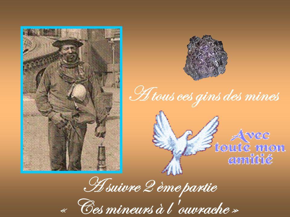 Les 13 premiers héros escapés de la catastrophe de Courrières après 20 jours dans la mine. Pas-de-Calais.