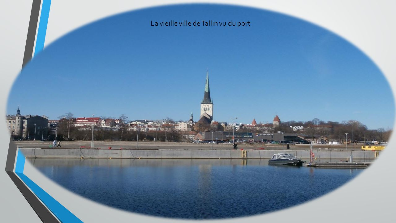 La vieille ville de Tallin vu du port