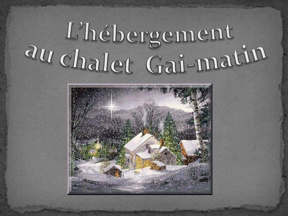 Gai Matin est un ensemble de deux chalets situés à 1 000 m daltitude, dominant la vallée de Saint Gervais et face au Mont Blanc.
