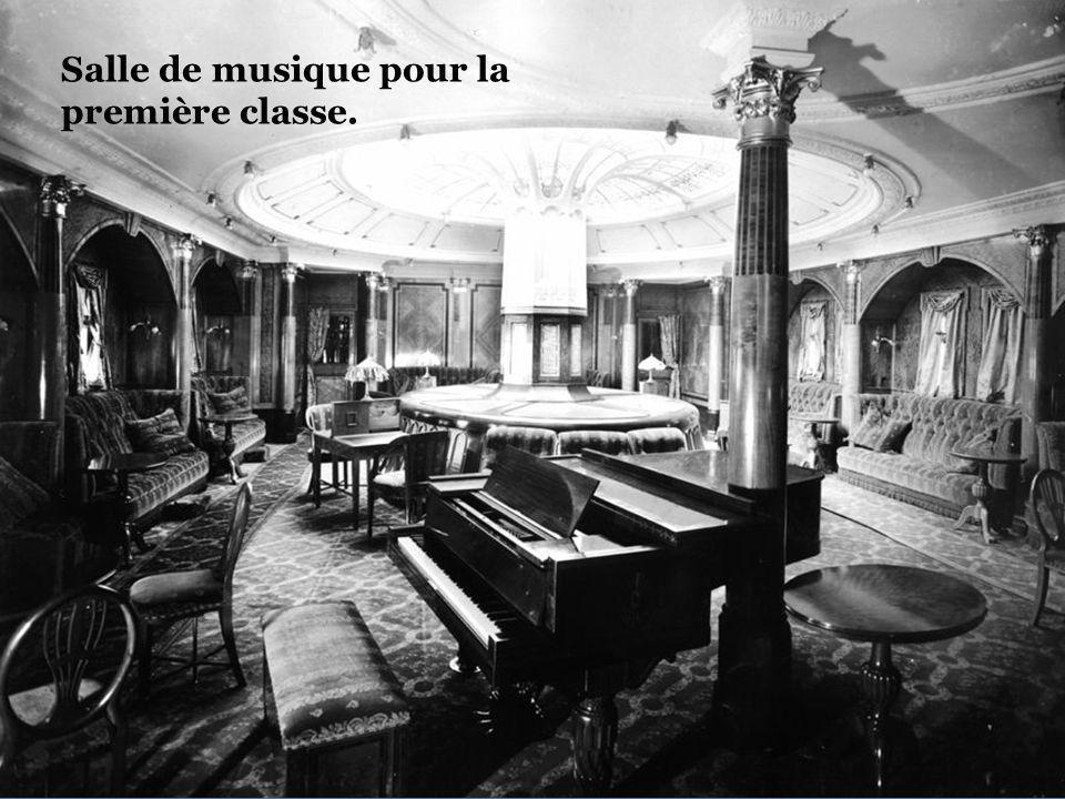 Salle de musique première classe.