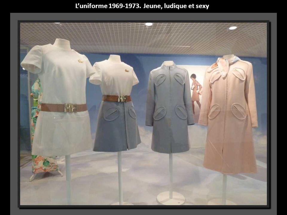Robe dhôtesse au sol-Avril 1973-mars 1978-Création : Louis Féraud
