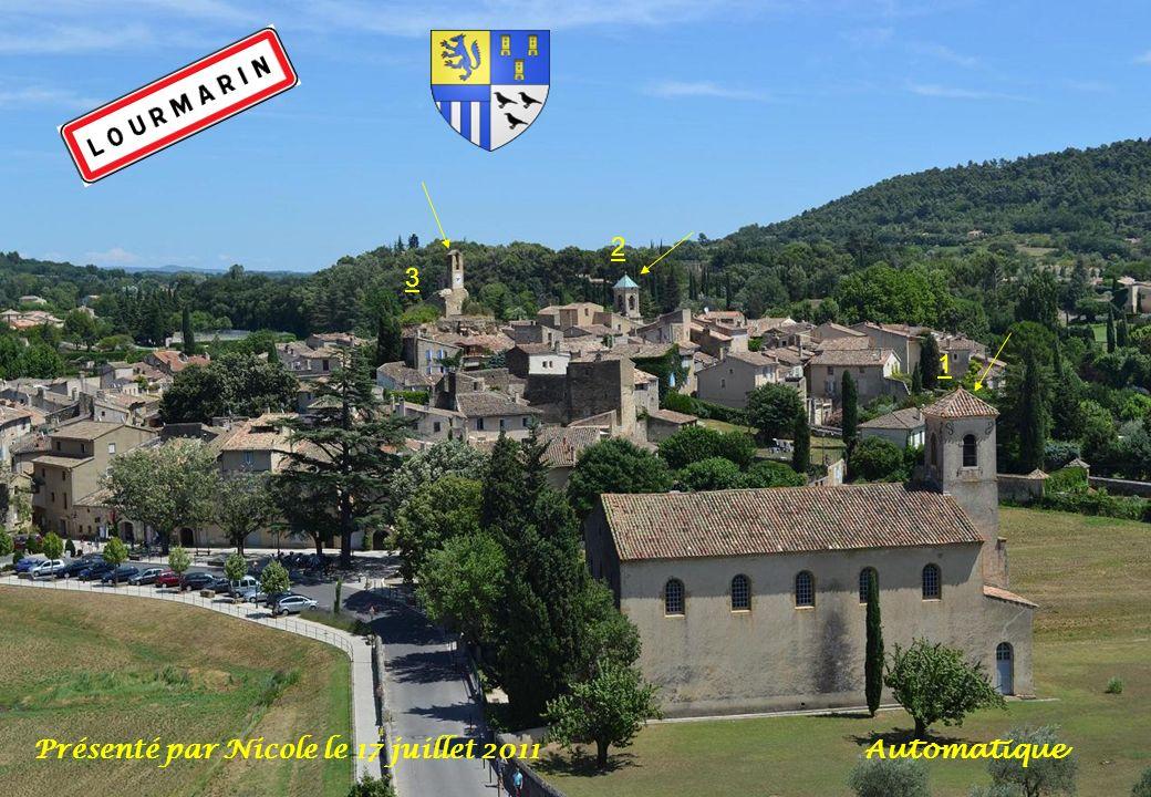 Cest au milieu des vignes, des oliviers et des amandiers, que se niche le village phare du Luberon, appelé : Le « village aux trois clochers « Lourmarin.