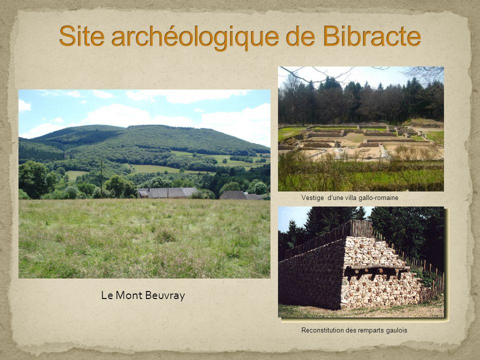 Le Mont Beuvray Vestige dune villa gallo-romaine Reconstitution des remparts gaulois