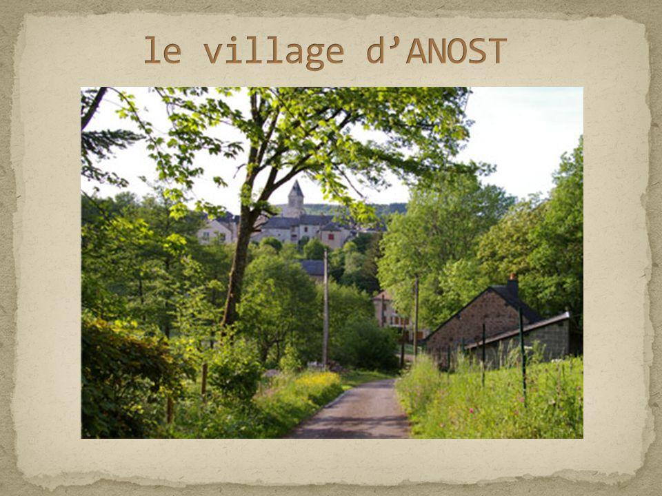 700 habitants permanents répartis sur 38 hameaux en plein cœur du Parc Naturel Régional du Morvan.