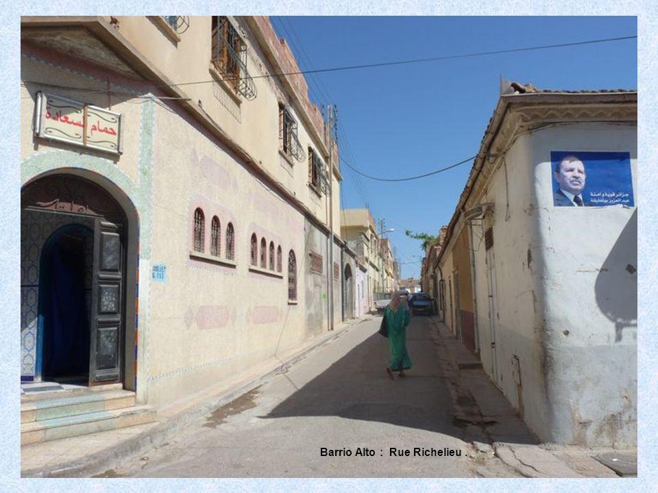 Barrio Alto : Rue Richelieu.