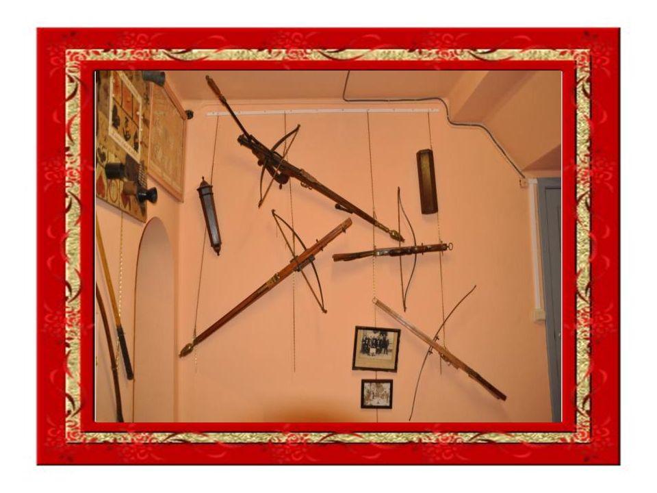 Le tir à larc: Depuis 10 000 ans au moins le tir à larc fut pratiqué pour chasser, et pour faire la guerre.