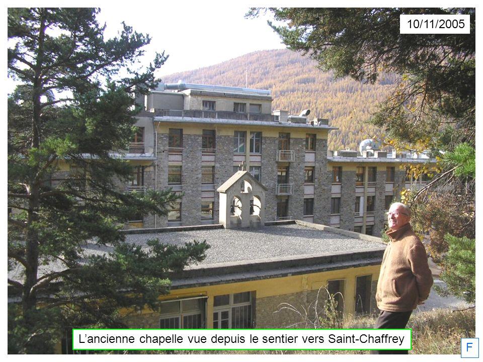 F 10/11/2005 Lancienne chapelle vue depuis le sentier vers Saint-Chaffrey