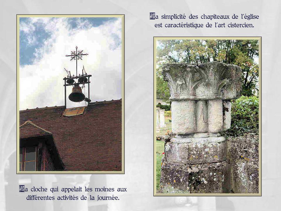 Le chœur de léglise où lon peut encore voir le dessin des chapelles rayonnantes.