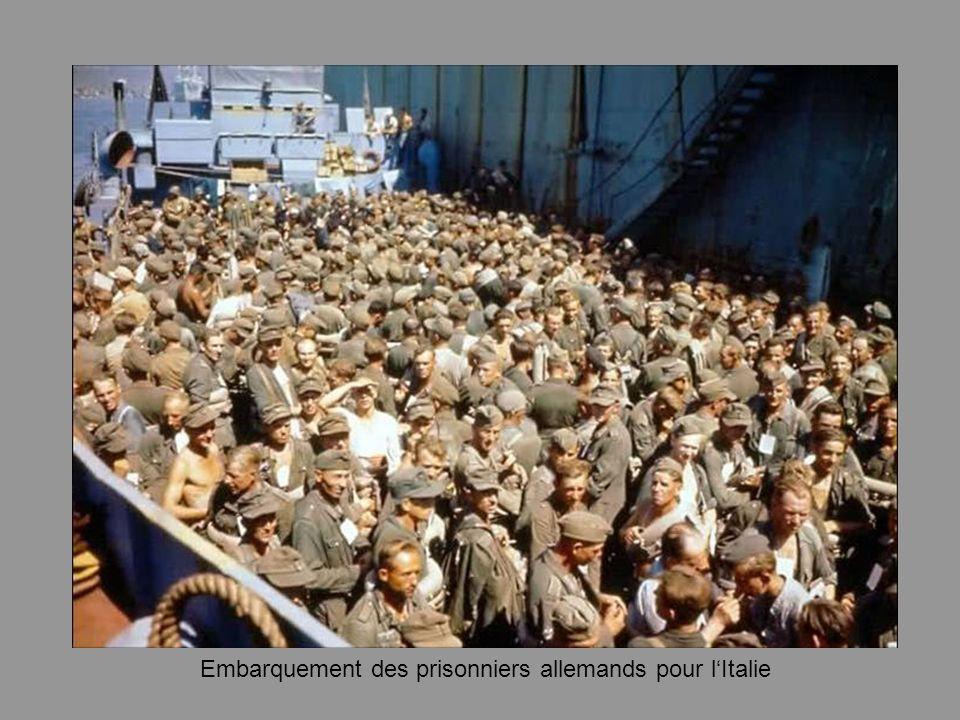 Embarquement des prisonniers allemands pour lItalie