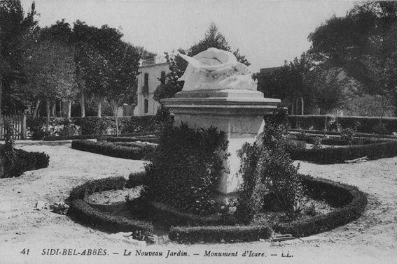 Le conseil dadministration du CABA en 1931.1 er rang : Albert Monville, Charles Le Quilhec.