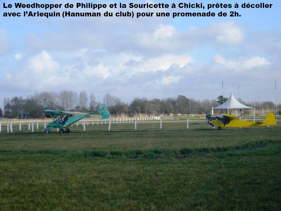 Le Weedhopper de Philippe et la Souricette à Chicki, prêtes à décoller avec lArlequin (Hanuman du club) pour une promenade de 2h.