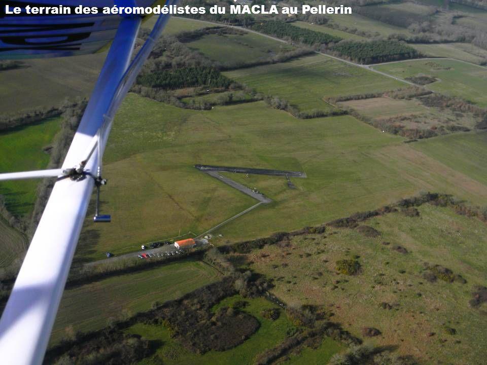 Couëron, St Herblain et Nantes dans la brume.