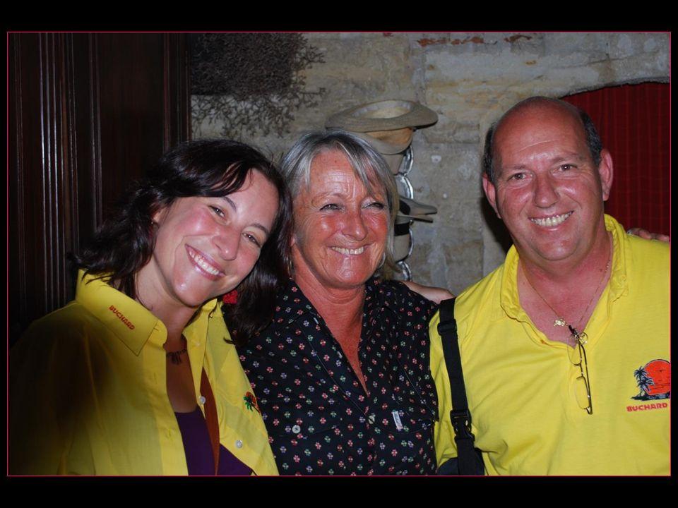 Tout sourire, notre trio avec Valérie Saro François