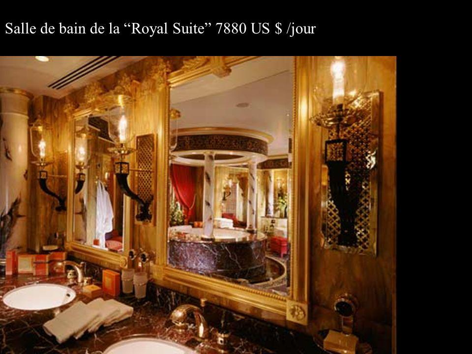 Salle de bain de la Royal Suite 7880 US $ /jour