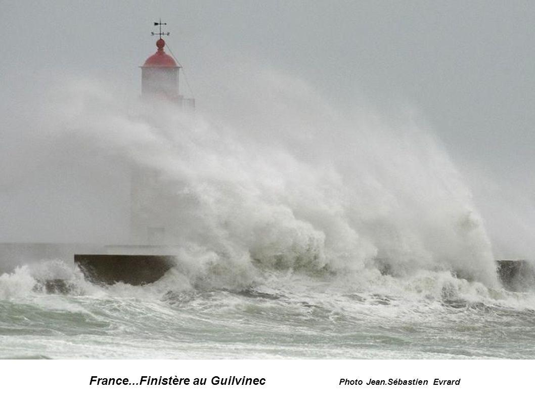 France...Finistère...à Penmarc h photo Mal Langsdon