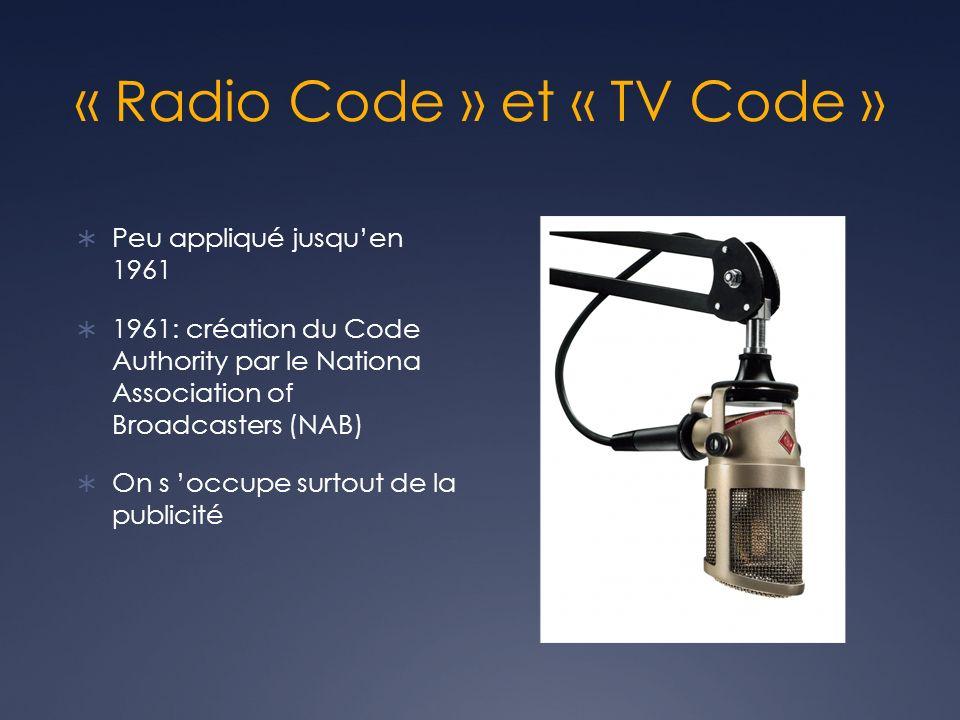 Le CCNRT En 1988, l Association canadienne des radiodiffuseurs (ACR) institue le Conseil canadien des normes de la radiodiffusion (CCNRT) pour administrer certaines normes volontaires.