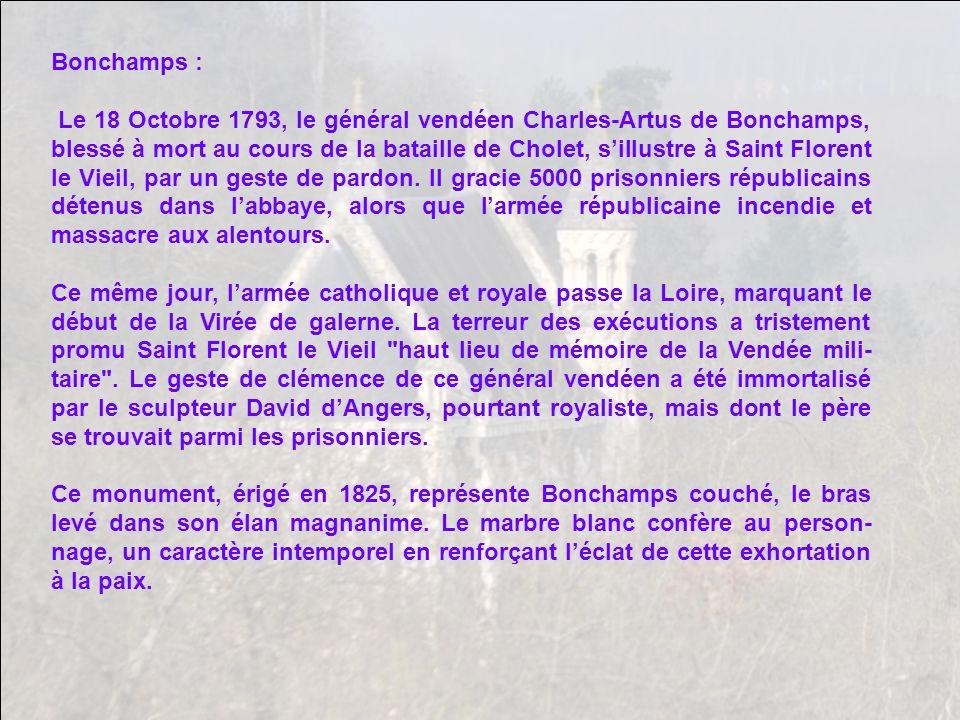 Tombeau du général Bonchamps, situé dans labbatiale.