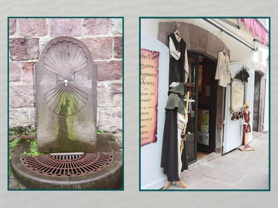 Maison Arcanzola La plus ancienne épigraphie AÑO 1510 apparaît sur cette maison remarquable par son étage à pans de bois et remplage en briques dispos