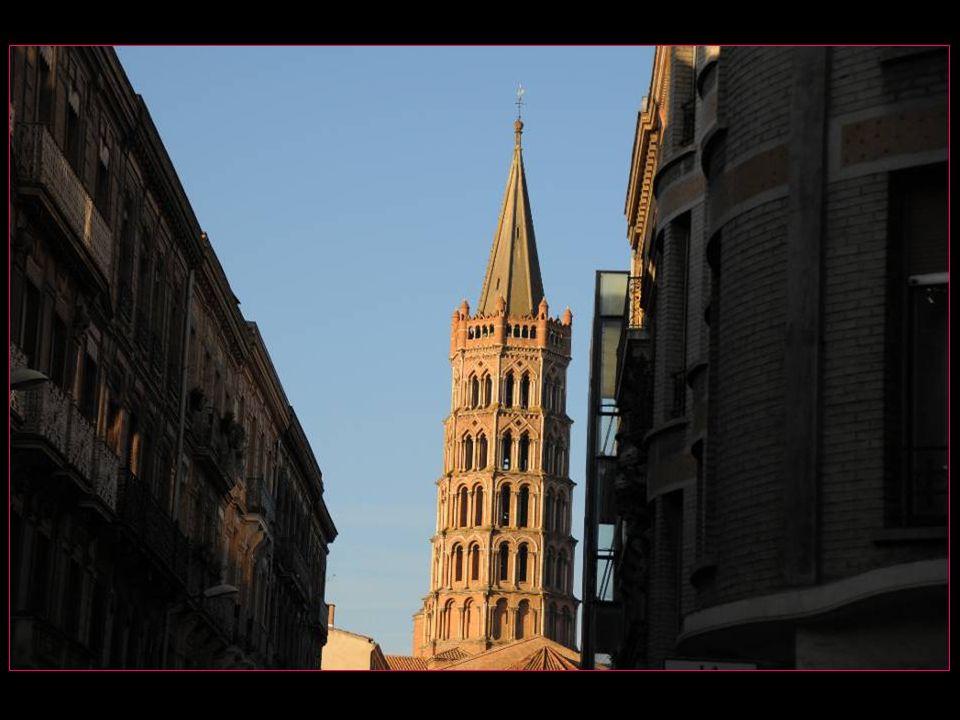 Les grandes orgues de la basilique Saint Sernin, réputées dans le monde entier, ont été achevées en 1889 par la maison Aristide Cavaillé-Coll