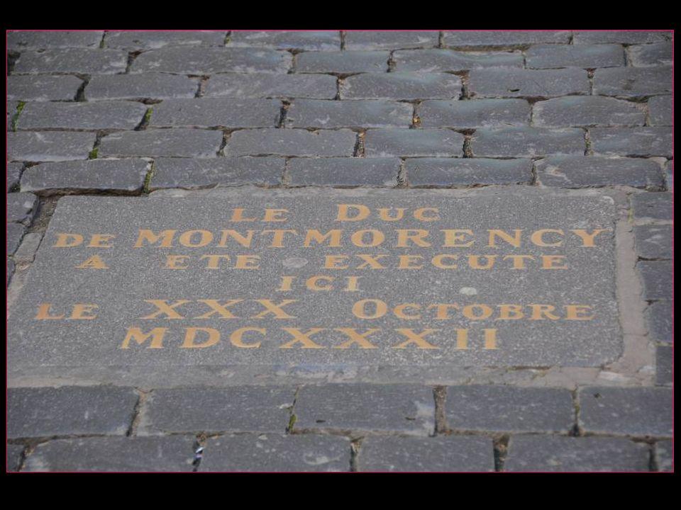 Cest dans la cour Henri IV que le duc de Montmorency, ennemi de Richelieu, fut décapité en 1632