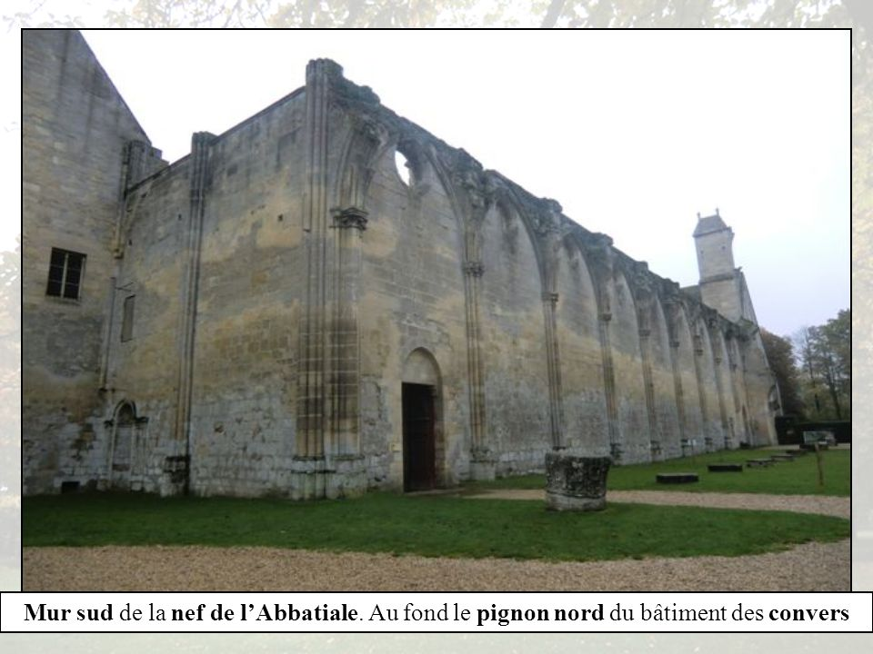 Chaire du lecteur au réfectoire. Pas de repas sans lecture Tombeau dHenri de Lorraine- Harcourt au réfectoire des moines.