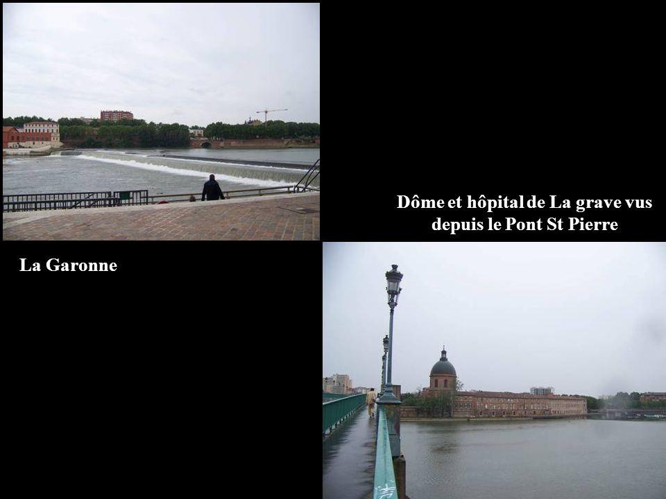 Dôme et hôpital de La grave vus depuis le Pont St Pierre La Garonne
