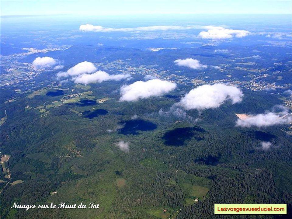 Nuages sur le Haut du Tot Lesvosgesvuesduciel.comLesvosgesvuesduciel.com