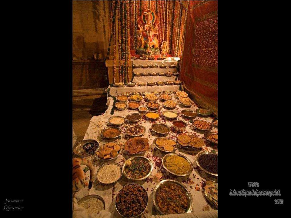 Haveli à Jaisalmer. Construite pour un riche commerçant, elle est complètement taillée dans le grès.