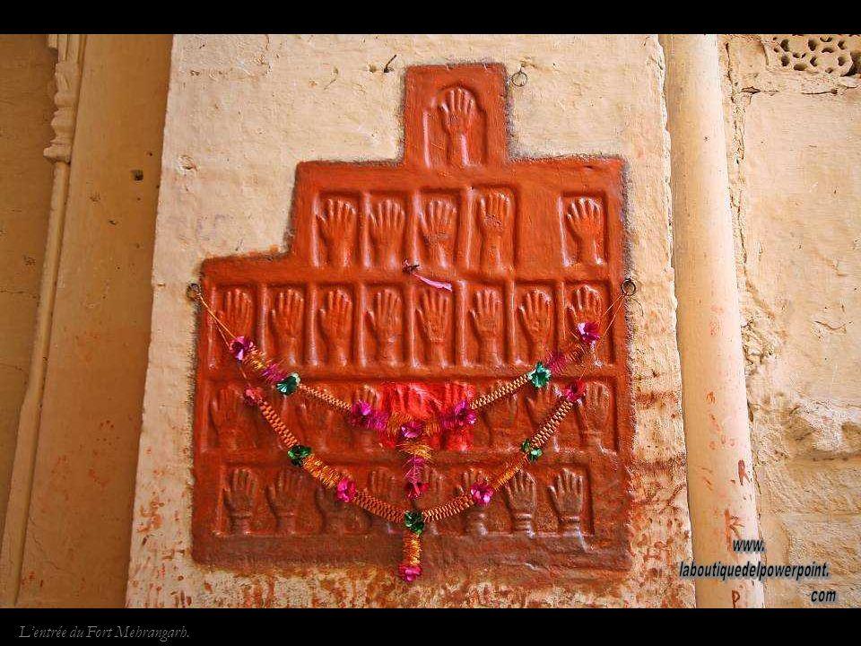 Fort de Jodhpur. La majeure partie des Forts rajputs sont construits sur des collines ou monts..