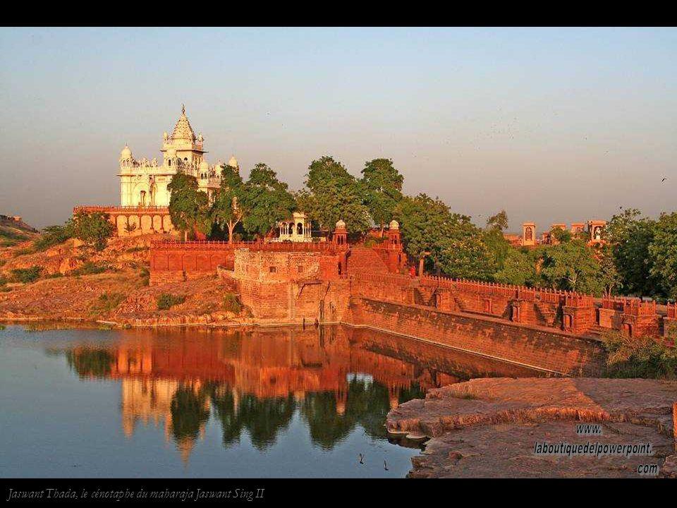 Temple de Chamunda en Jodhpur. Impression de la main sur le mur.