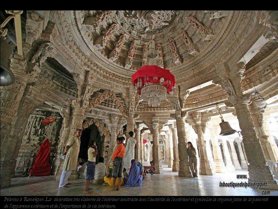 Temple jaïn de Ranakpur. Cest le plus beau temple jaïn d lInde.