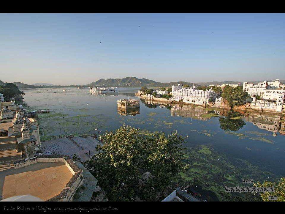 Le palais dUdaipur, résidence royale, est maintenant un des plus grands hôtels de luxe du monde.