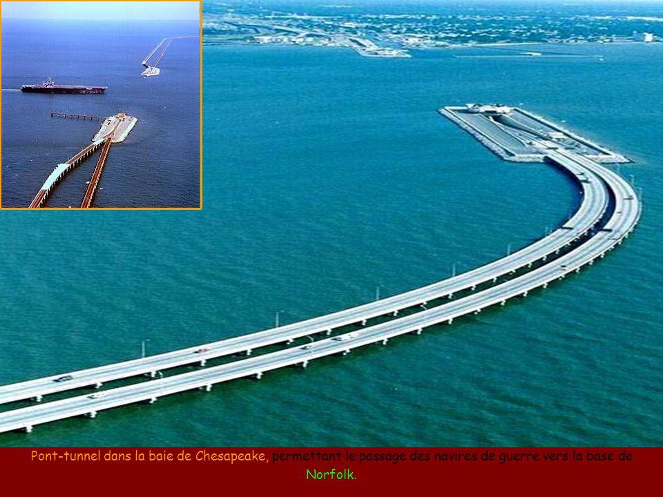 Pont inversé entre la Chine et Hong Kong, puisque la circulation à Hong Kong se fait à gauche.