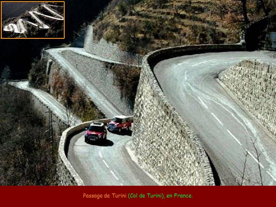 Passage de Stelvio (Stelvio Pass), dans les Alpes italiennes.