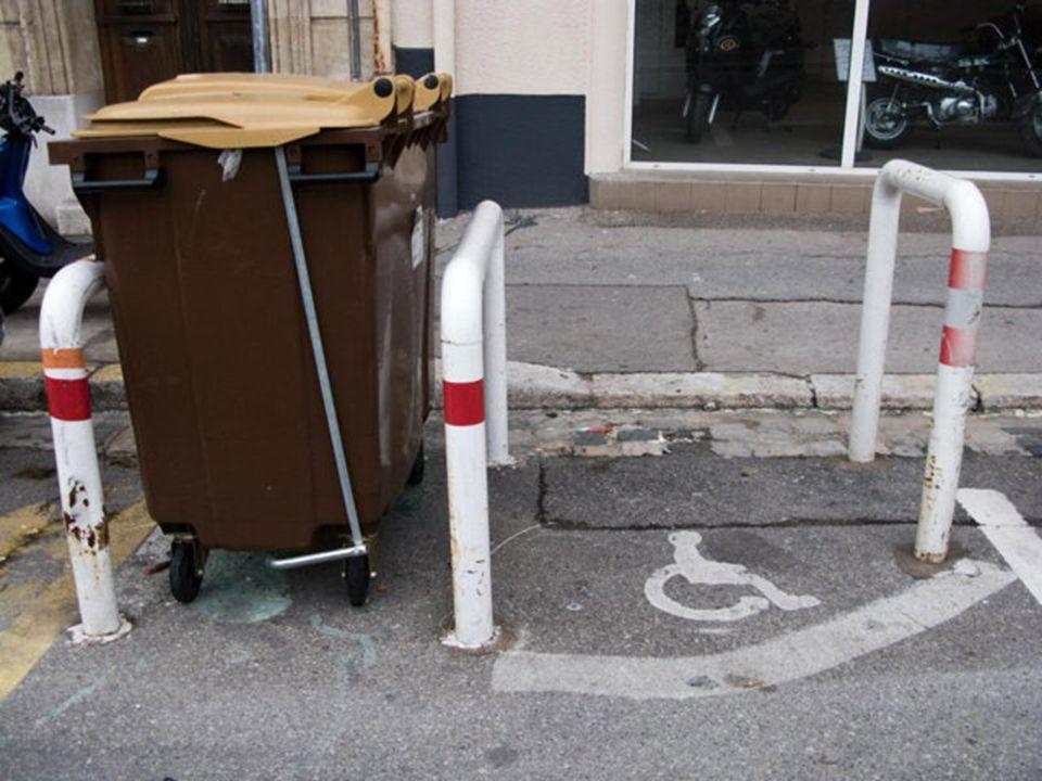 Marseille linsolite Ya quici quon voit ça ! Tias raison ! Un commissariat dans un hôtel, un méga nettoyage de fesses, Jsuis trop fort ! Cest trop ress