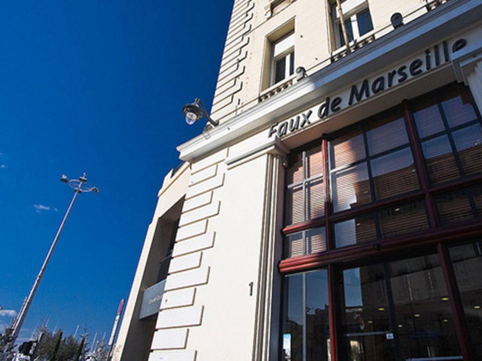 Les commerces Marseillais Lhumour commerçant nest pas rare par chez nous, il suffit douvrir les yeux !