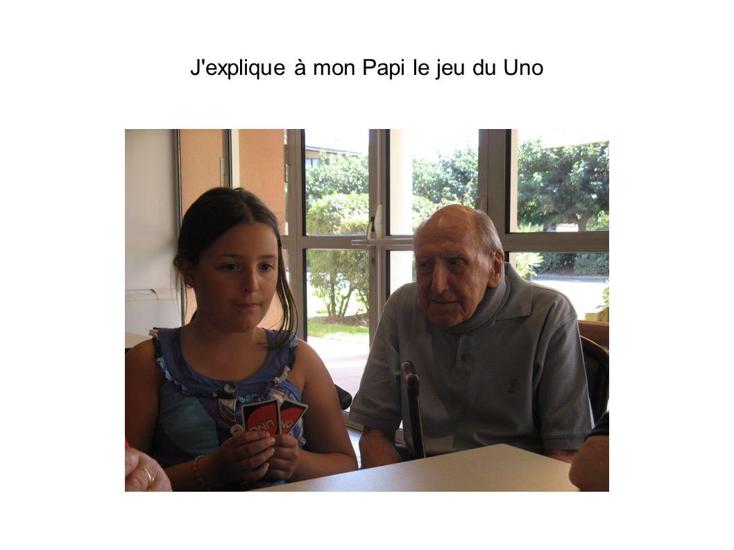 J explique à mon Papi le jeu du Uno