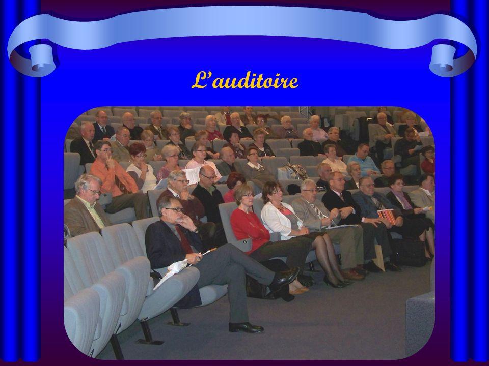 La tribune Paul MARRE Pierre RIDEL Jean MIGLIORE Colette DELARUE Jean Michel SAGNIER