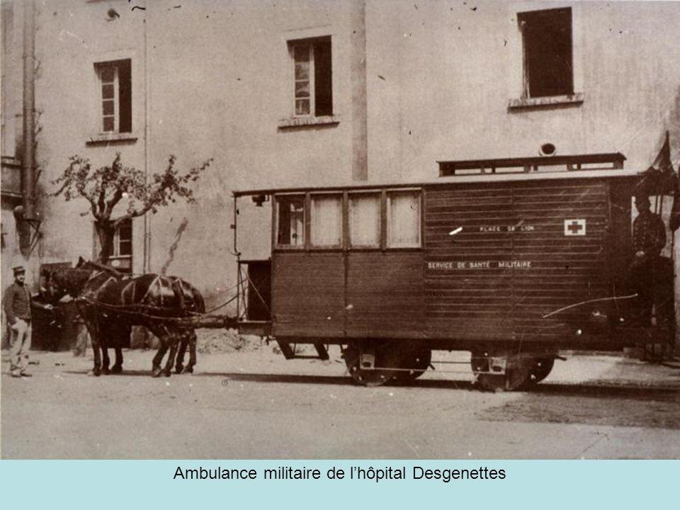 Lun des premiers tramways lyonnais - 1879