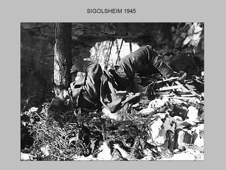 PHOTOGRAPHES AMERICAINS A STRASBOURG 1945