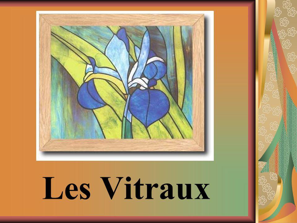 MATÉRIELS Plexiglass Peinture à vitrail Peinture à relief Pinceaux Petit contenant pour leau Feuilles (croquis) Crayon plomb