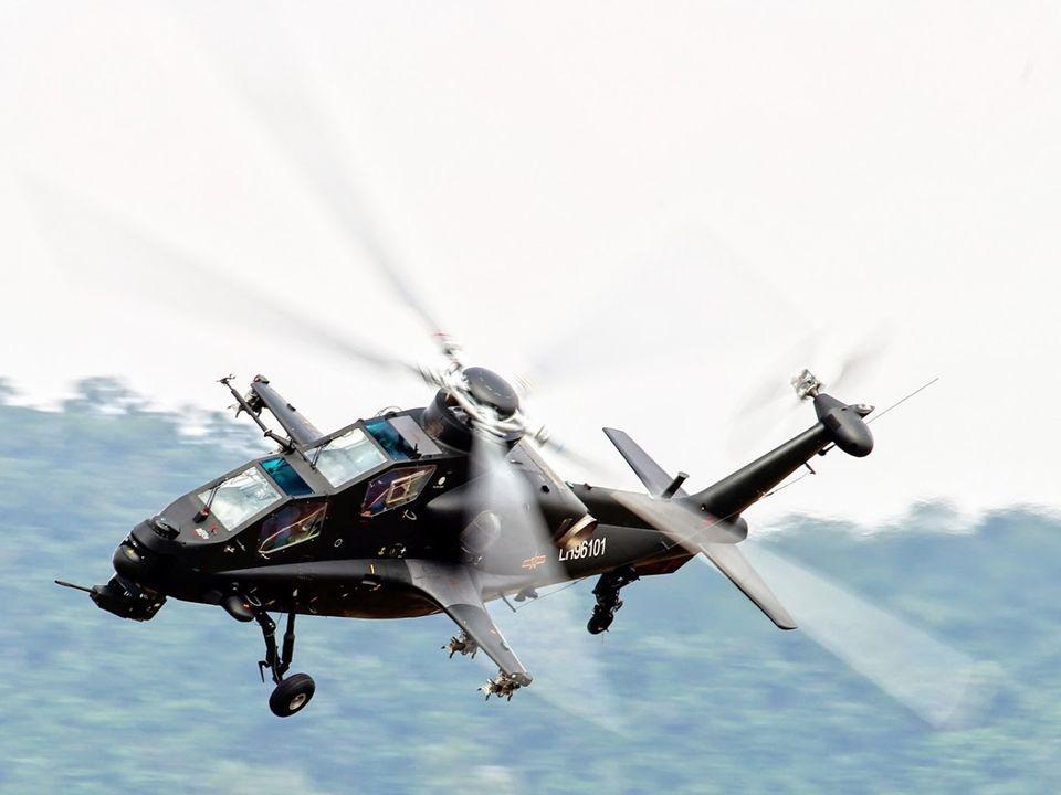 Aide de la Russie : Cest en effet, lors dune conférence de presse que le Directeur du bureau de conception du constructeur Kamov, Sergei Mikheyev a fait tomber le rideau sur le développement de lhélicoptère de combat chinois Z-10.