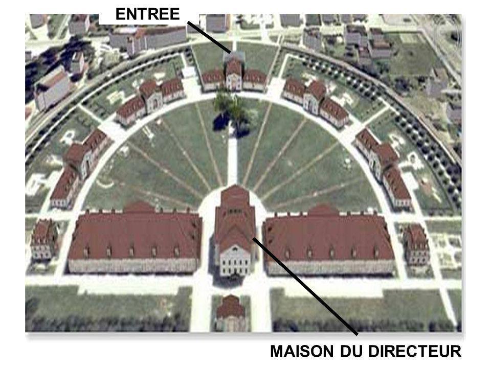 MAISON DU DIRECTEUR ENTREE