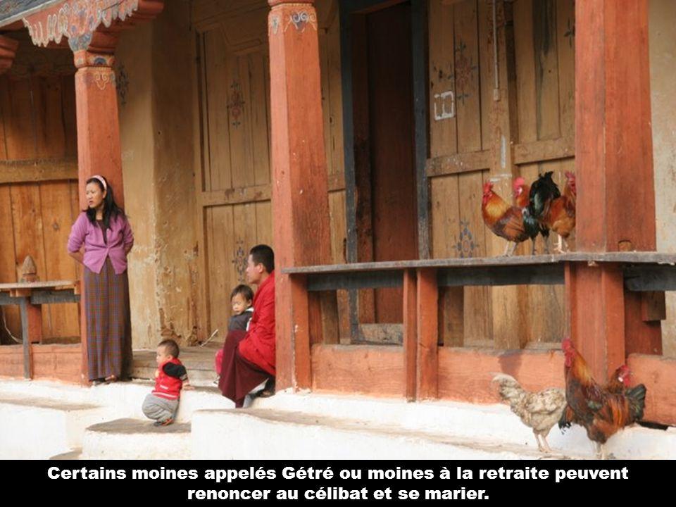 Moines bouddhistes lamaïstes.