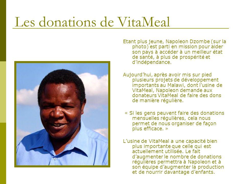 Les donations de VitaMeal Etant plus jeune, Napoleon Dzombe (sur la photo) est parti en mission pour aider son pays à accéder à un meilleur état de sa