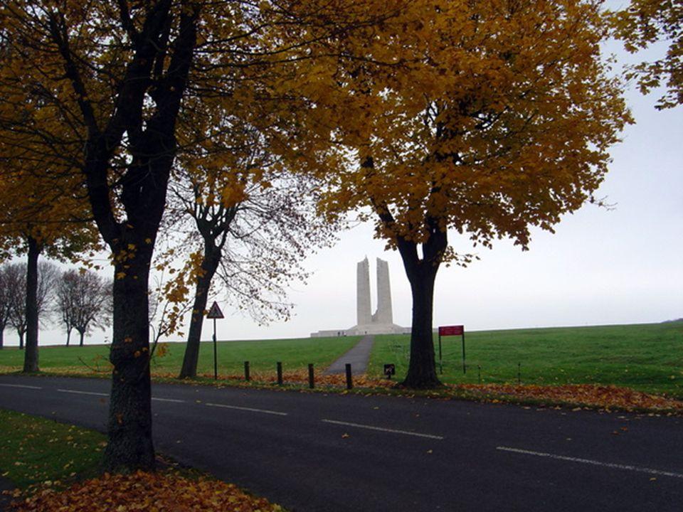 Nous allons vers le parking prés du Monument Canadien