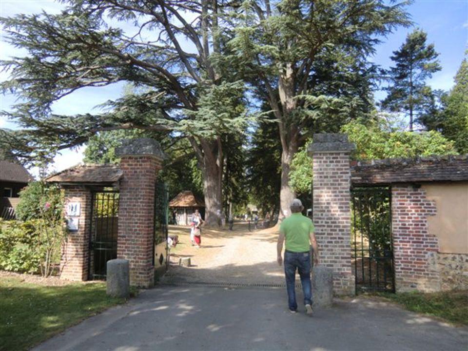 Harcourt Château et Arboretum Cliquer seulement sur les longs textes.