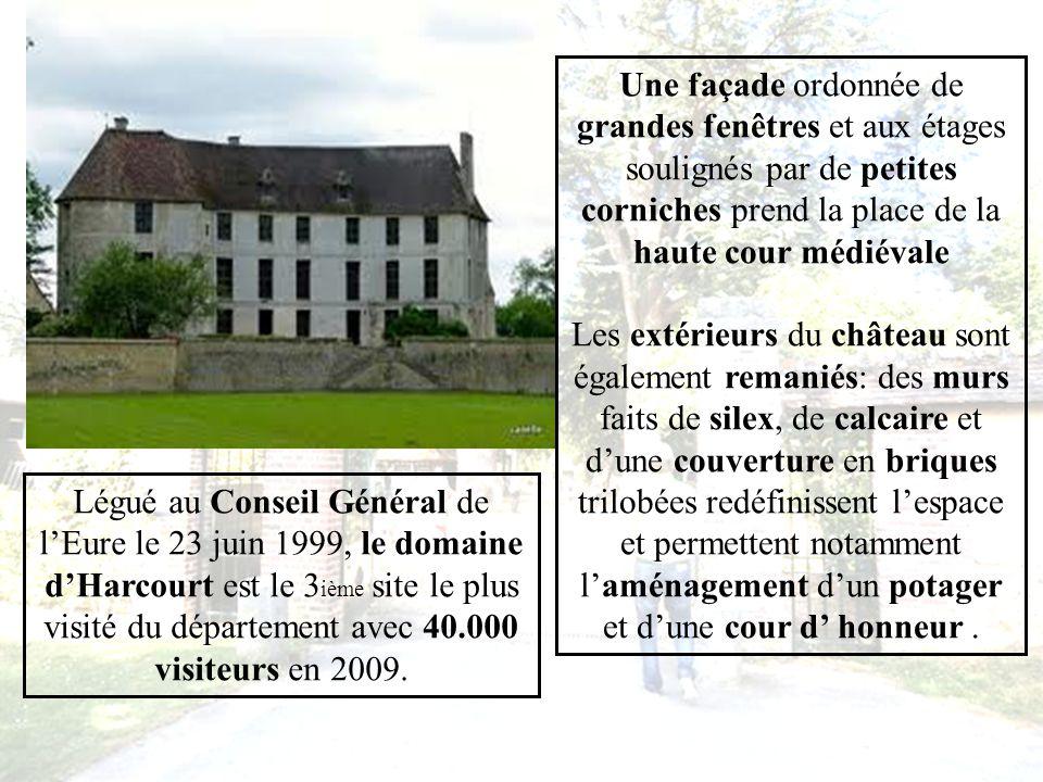 À la fin du 17 ième siècle, lédifice moyenâgeux, délaissé par la famille dHarcourt, fut remanié pour moitié par Françoise de Brancas, appelée Princesse dHarcourt en une résidence classique destinée aux excursions de la cour de Louis XIV